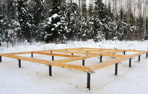Винтовой фундамент зимой 5х6